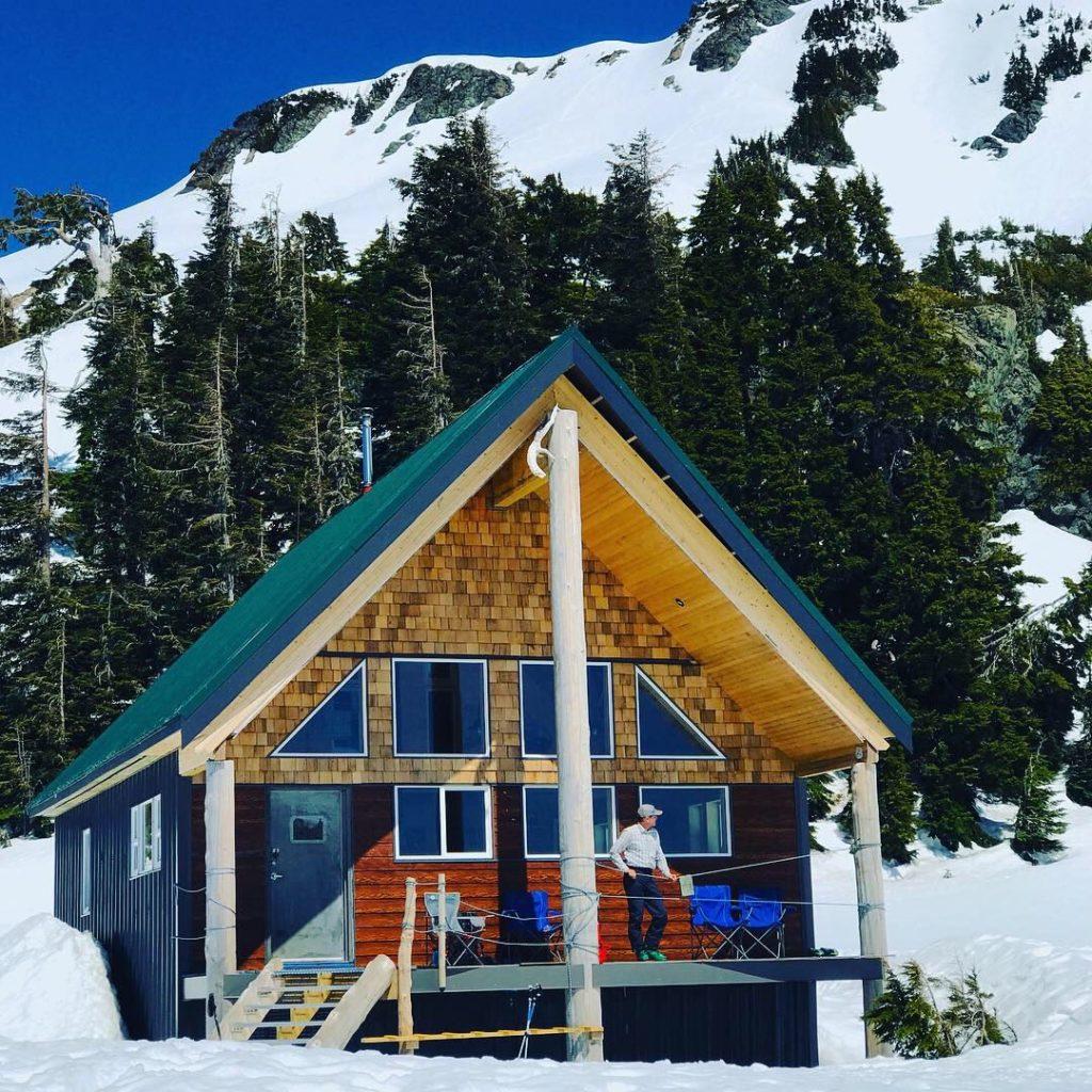 5040 Peak hike ski snowshoe Vancouver Island Chris Istace